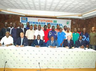 22  instructeurs en formation à Bassam
