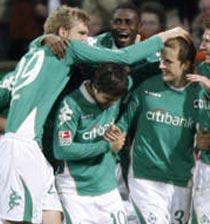 Football/ALL, 15e j: Le Werder leader provisoire