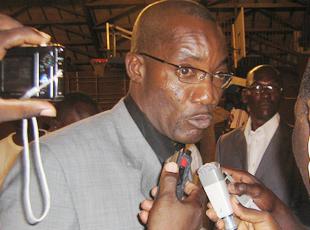 Koné Sanga se dresse contre Konet Jeannot