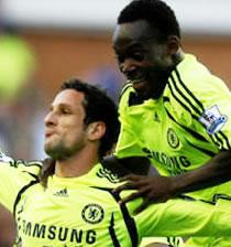 Football/ 12e journée Première Ligue: Arsenal et Manchester calent, Chelsea se relance
