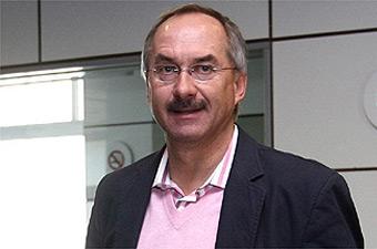 """Ulrich Stielike (Entraîneur des Éléphants) : """" Mon objectif, le Mondial 2010 """""""