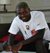 Football/ Transfert : Ba ne signe pas, Romaric prolonge