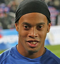 Football/ Transferts : Ronaldinho tout prêt de Chelsea