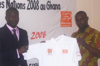 CAN 2008/ Remise d'équipements : Petro Ivoire habille l'AJS-CI