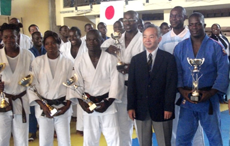 Une experte japonaise instruit les maîtres ivoiriens