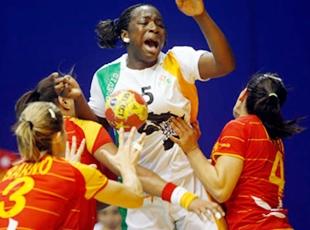 La Côte d'Ivoire (D) se qualifie et croisera l'Angola