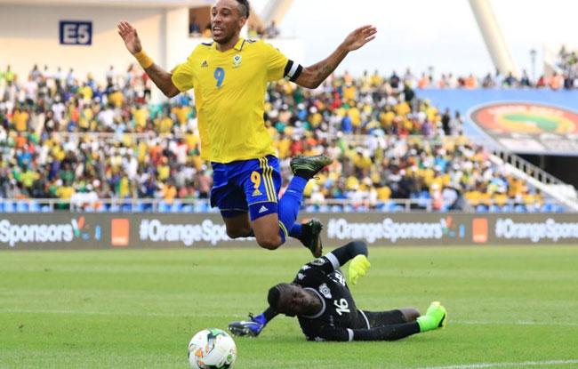 Le Gabon cale de nouveau
