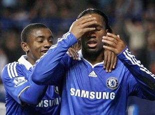 Drogba poignarde les Gunners