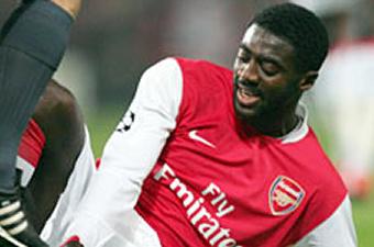 Football/ Arsenal : 1 mois d'indisponibilité pour Eboué, 2 semaines pour Kolo