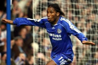Football/ Première Ligue: Drogba est toujours là