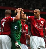 Football/ Demi-finale Ligue des Champions: Manchester à l'assaut du Milan