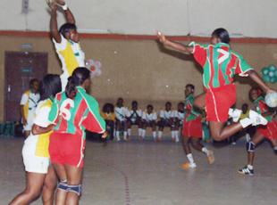 Red Star/Cocody et Africa/Queens, en finales