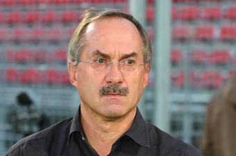 Football/ Après la défaite des Eléphants contre la Tunisie: Stielike pris dans le piège de Jacques Anouma