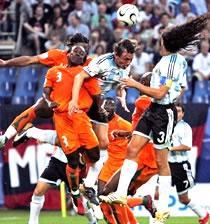 Football/ FIFA: Attribution des Coupes du Monde 2014 et 2011 au centre des débats
